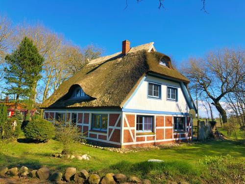 Ferienwohnungen im Reetdachhaus, Vorpommern-Rügen