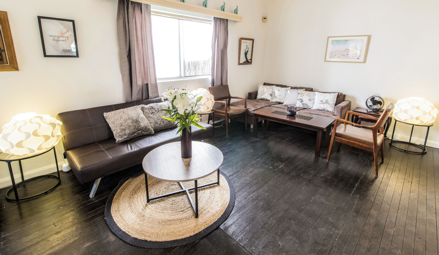 North Bondi Beach Apartment, Waverley
