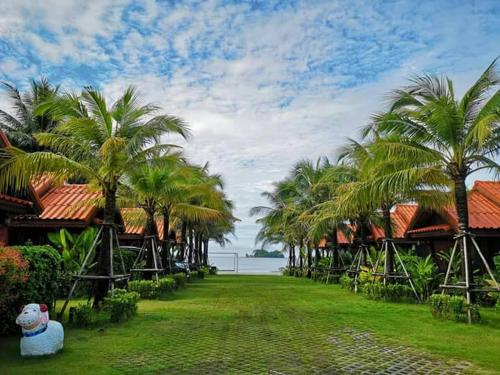 Ploenura Resort Laemsing, Laem Sing