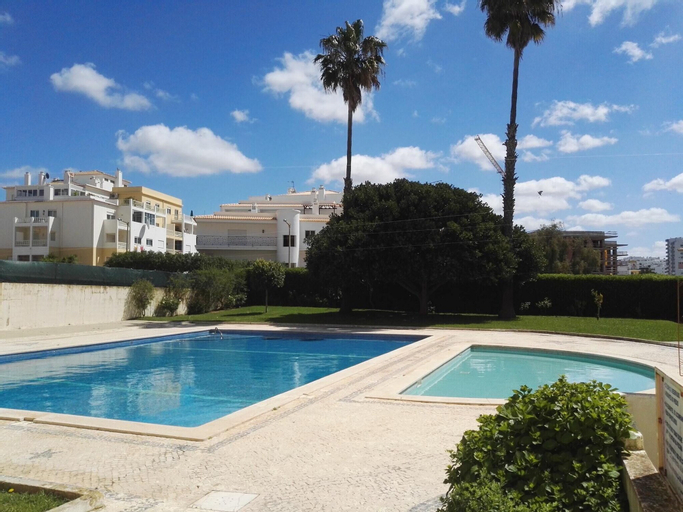 Apartment With one Bedroom in Portimão, With Wonderful sea View, Pool Access, Furnished Balcony - 300 m From the Beach, Portimão