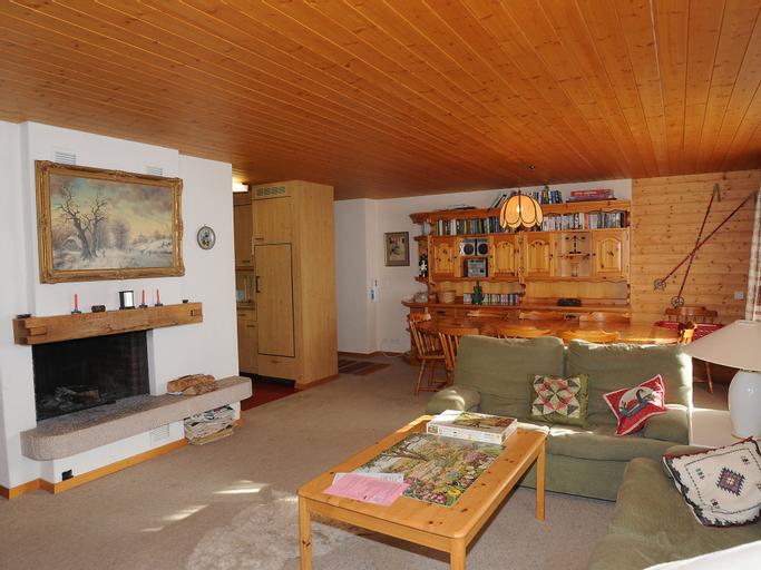 Chas Gruebi - Three Bedroom, Interlaken