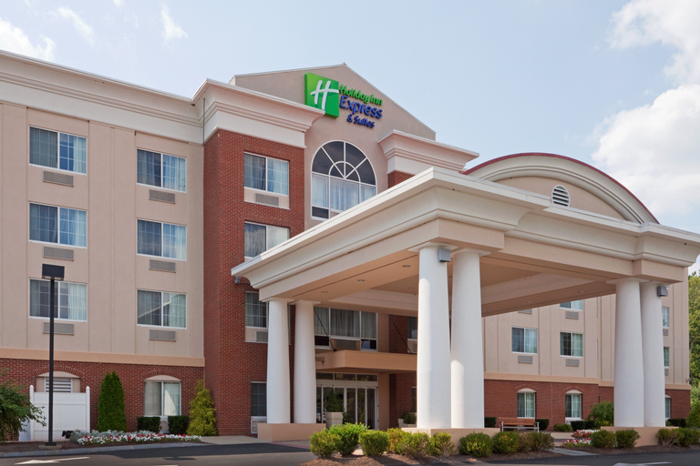 Holiday Inn Express and Suites Middleboro Raynham, Plymouth