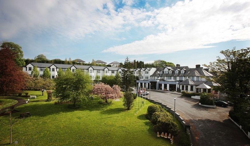 Twin Trees Hotel,