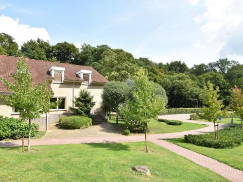 Spacious Holiday Home in Berg en Dal with Private Terrace, Groesbeek