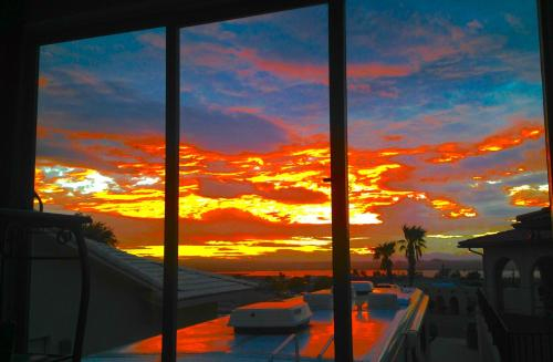 Estate with 2 Houses Panoramic Lake Views, Mohave