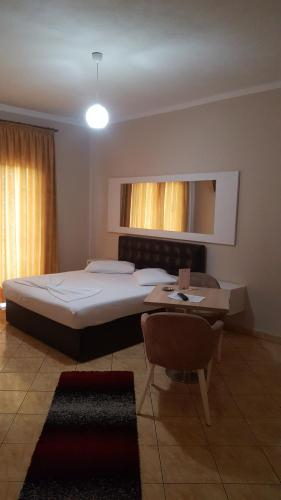 Monte Rei Hotel, Lushnjës