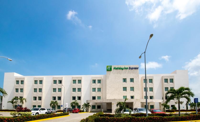 Holiday Inn Express Paraiso Dos Bocas, Paraíso
