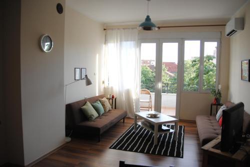 Simple Apartment, Korçës