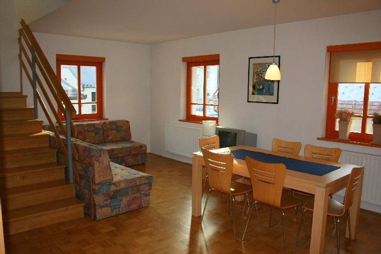 Apartmajska hia Rombon, Bovec
