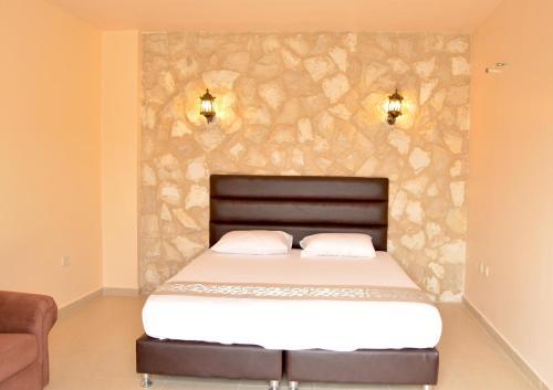town of nebo hotel , talet dar abo jubran, Madaba
