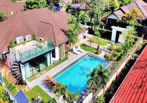 Cozy Garden Cottage 4BR, Bang Lamung