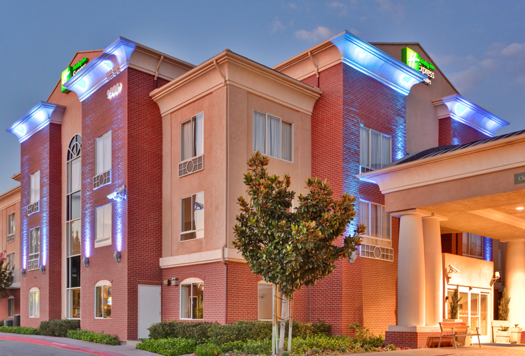 Holiday Inn Express and Suites Ontario Airport Mil, San Bernardino