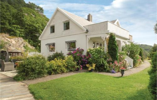 Five-Bedroom Holiday Home in Farsund, Farsund