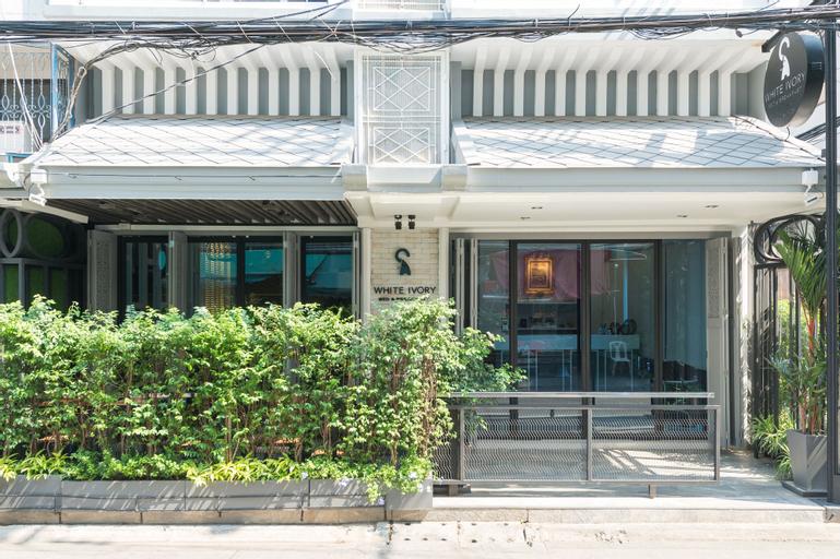 WHITE IVORY BED & BREAKFAST, Khlong San