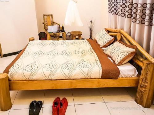 Bwindi Cultural Lodge, Kinkiizi