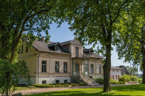 Gutshof Groß Behnkenhagen, Vorpommern-Rügen