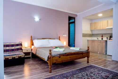 Athos Apartments, Niš