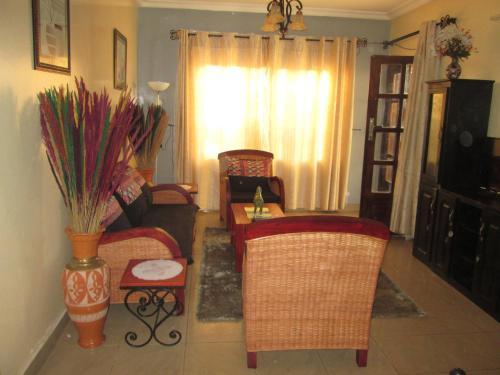 Residence H, Mfoundi