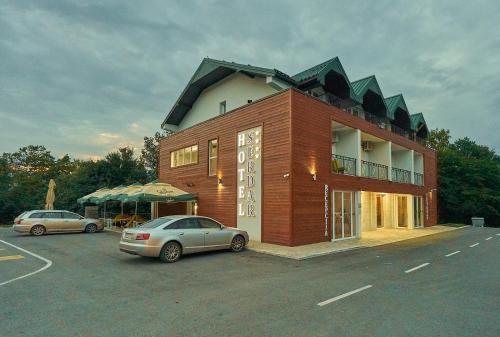 Hotel Serdar,