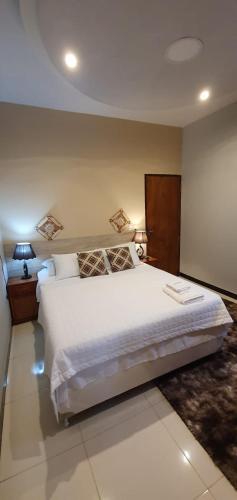 Elena Apart Hotel, Cambyreta