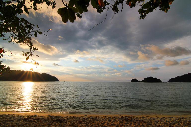 Riez Homestay @ Marina Island Lumut, Manjung