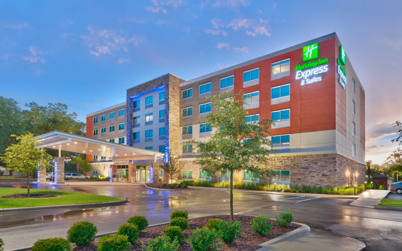 Holiday Inn Express and Suites Gainesville I-75, Alachua