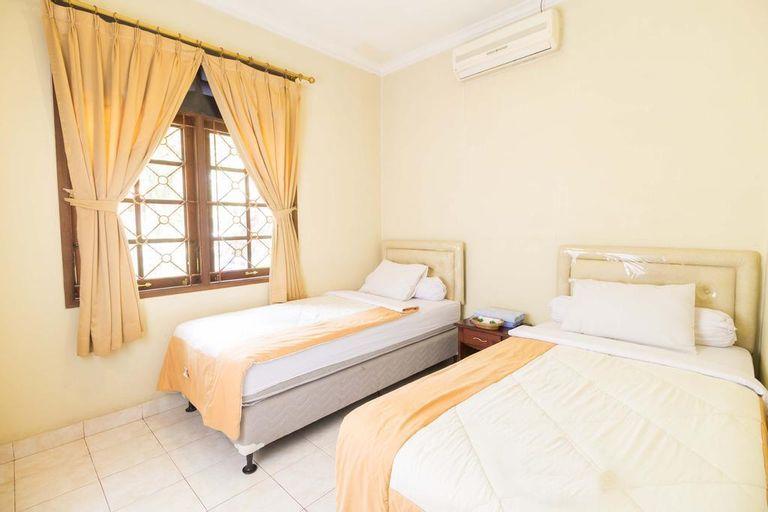 RedDoorz Resort @ Cimahpar Bogor, Bogor