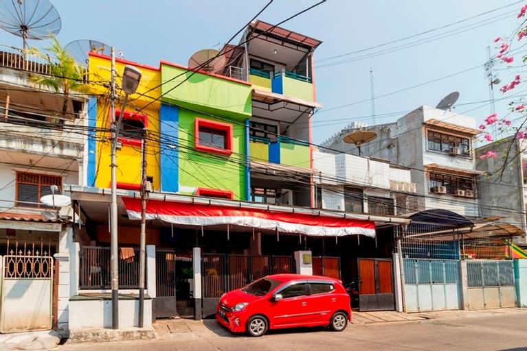 RedDoorz Near Gajah Mada Plaza 2, West Jakarta