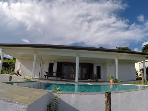 The Horizon, Port Vila