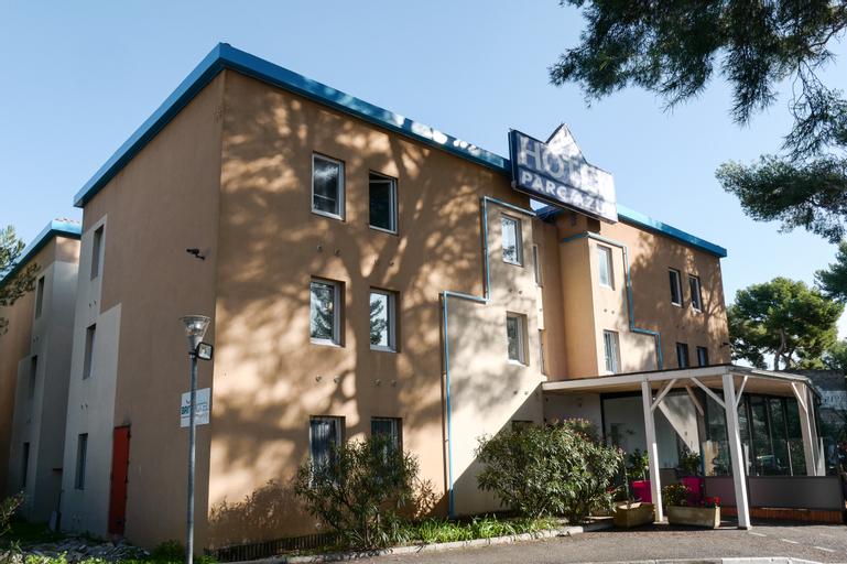 BRIT HOTEL TOULON - Parc Azur, Var
