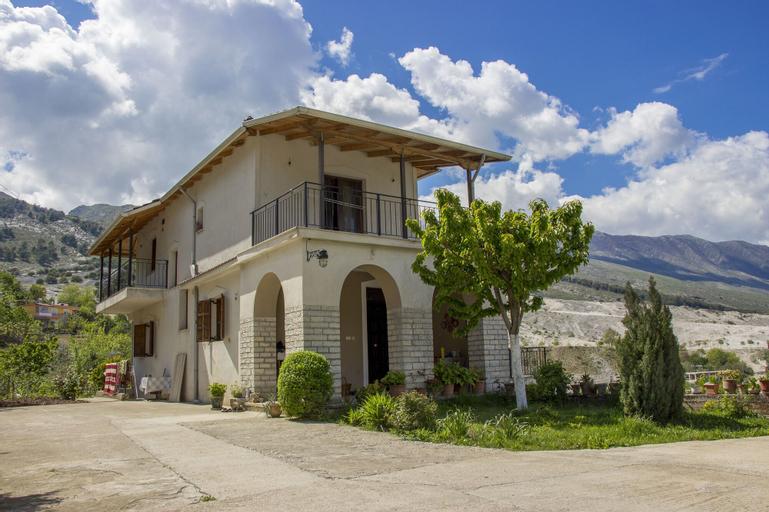 Sweet Dreams Guesthouse, Gjirokastrës