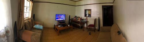Easy Sleep Guesthouse, Saboti