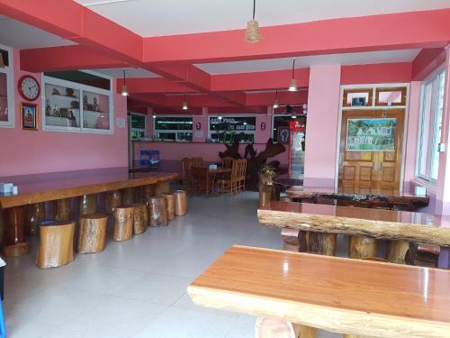 Yamin Guest House - Burmese Only, Pyin-Oo-Lwin