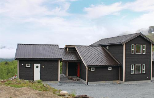 Four-Bedroom Holiday Home in Sogndal, Sogndal