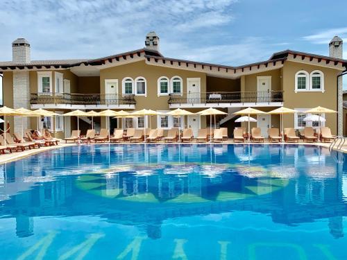 Palmanova Resort, Tiranës