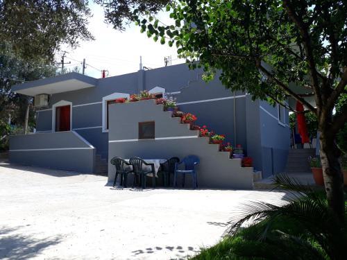 Dema Guesthouse, Sarandës
