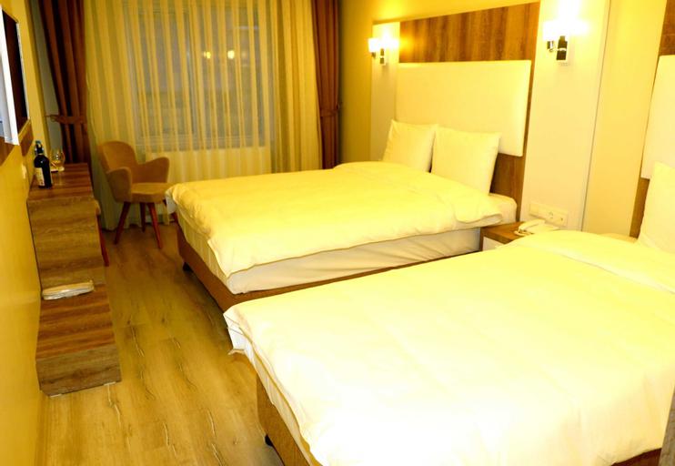 Line Suite Hotel, Merkez