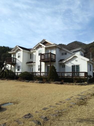 Main Hill Stay Pension, Geumsan
