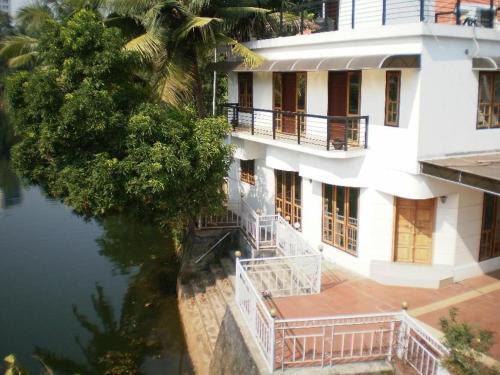 Kumarakom Guest House, Kottayam