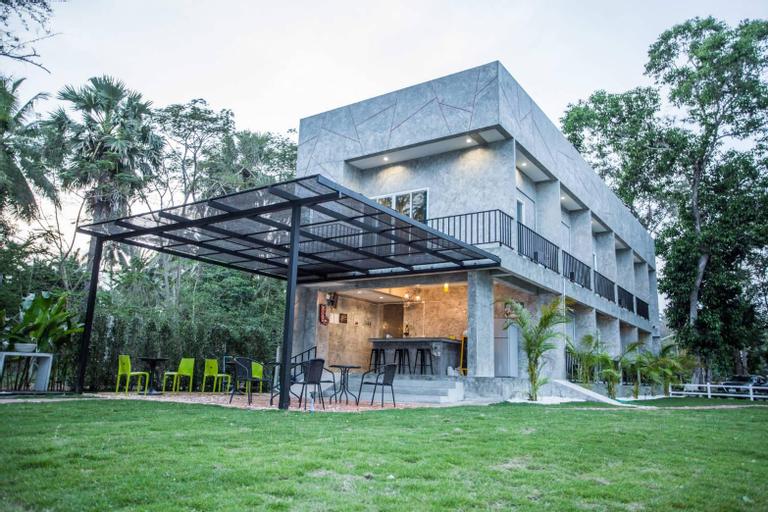 The Chala Resort, Bang Saphan