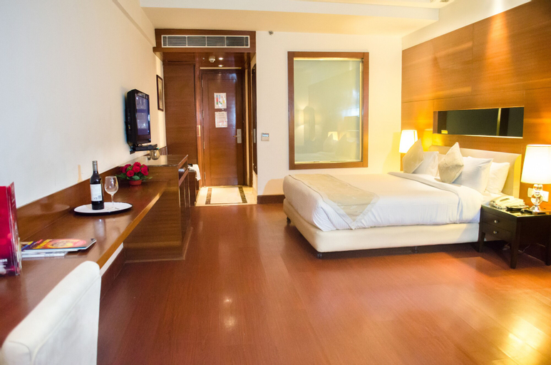 Hotel Haut Monde, Gurgaon