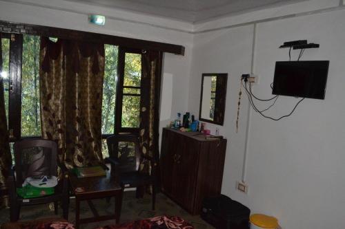 Hotel Sky View, Anantnag
