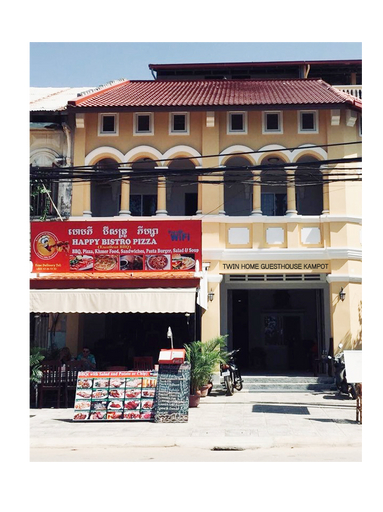 Twin Home Guesthouse, Kampong Bay
