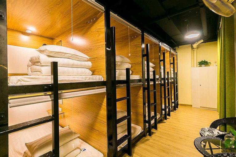 CUBE BED STATION HOSTEL, Semporna