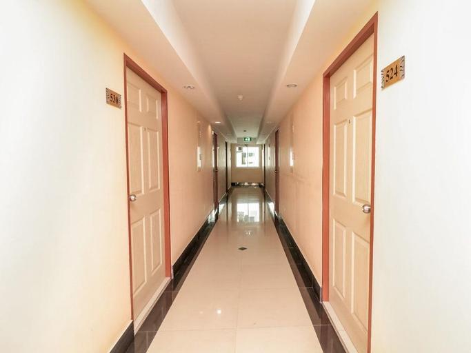 Nida Rooms Metro Inthamara 169, Din Dang