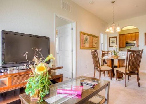 4024 Breakview Drive - Three Bedroom Home, Orange