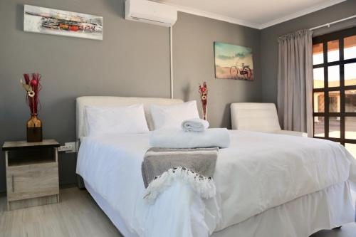 Joy Guest House Mabote,