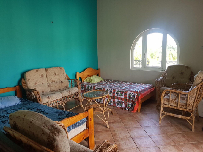 Apartment With 4 Bedrooms in Blue Bay, With Furnished Terrace - 350 m,