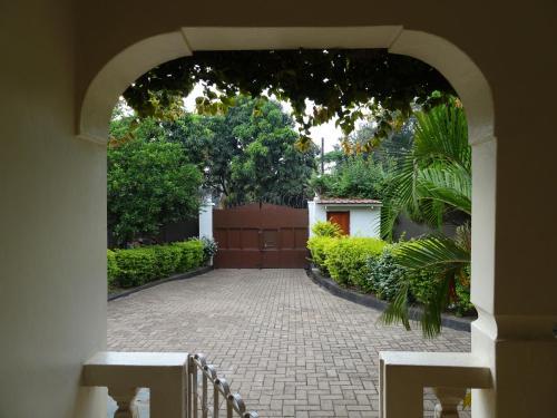 Blue Agama Guest House, Busongora