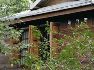 3 Sparrow House, San Pa Tong